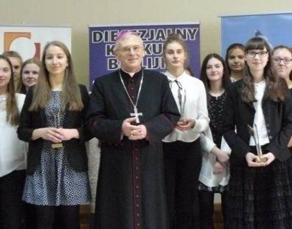 Uczennica bialskiego gimnazjum zdobywa I miejsce w konkursie biblijnym