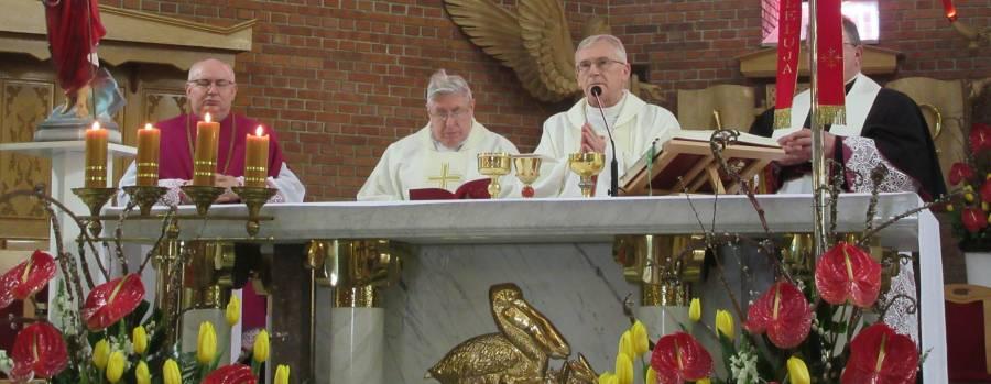 Niedziela Miłosierdzia Bożego - wizyta bp Kazimierza Gurdy