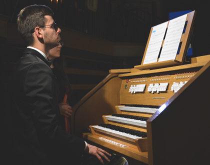 Koncert łukowskiego organisty Mateusza Rzewuskiego [FOTO]